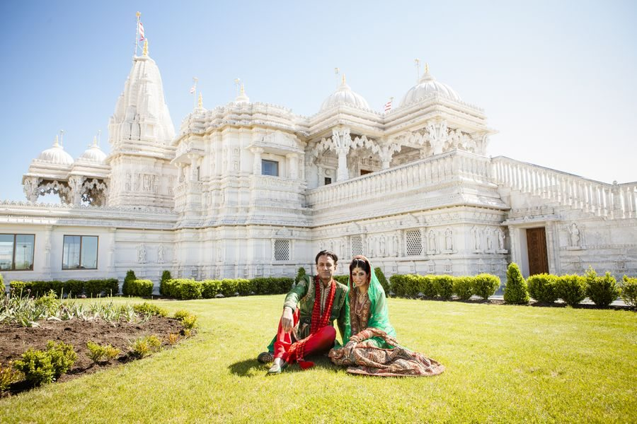 Reality Wedding Story 1 Love Story Amp 700 Guests Rich In Colour Amp Tradition Fabulous Live Music